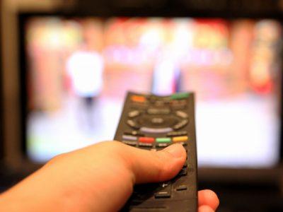 テレビを付けっ放しで、だらだら見てしまう子供。どうすればいいでしょうか?