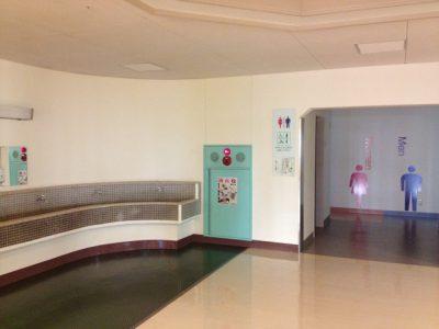 学校のトイレは居場所のひとつ。学校で大ができない子供たちが増えている。